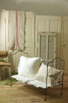 アイアンベビーベッド(シャビーメタル)  French Vintage Folding Baby Bed