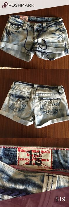 Acid wash Jean shorts with belt 1sr kiss Jean shorts.  Great condition 1st Kiss Shorts Jean Shorts