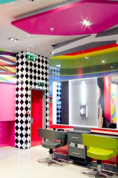 Award Winning, Creative, Modern & Innovative, Garry Cohn knows design. If you're looking for a quality interior designer then look no further. Styling Stations, Waiting Area, Modern Hairstyles, Reception Areas, Studio Ideas, Receptions, Architecture Design, Innovation, Shampoo