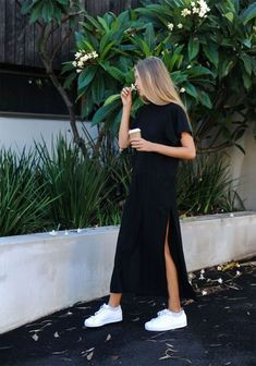Minimal trends | Chic black maxi dress and white sneakers