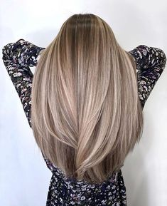 Cute Hair Color ideas for Womens with Long Straight Hair in 2020 Straight Hairstyles, Cool Hairstyles, Hairstyles Videos, Curled Hairstyles, Hairstyles Haircuts, Vintage Hairstyles, Ombré Hair, Hair Art, Balayage Hair Blonde