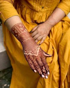Indian Mehndi Designs, Back Hand Mehndi Designs, Stylish Mehndi Designs, Mehndi Designs For Girls, Mehndi Design Photos, Wedding Mehndi Designs, Beautiful Mehndi Design, Latest Mehndi Designs, Henna Designs