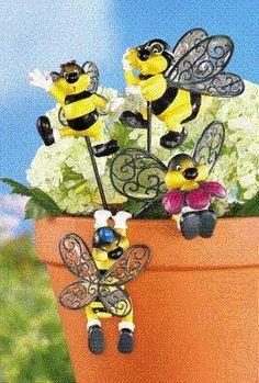 Buzzing Bee Family Decorative Flower Pot Hangers