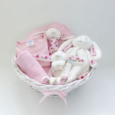 Cute Baby Shower Gifts, Baby Shower Parties, Baby Boy Shower, Baby Shower Baskets, Baby Hamper, Baby Presents, Baby Gifts, Fundraiser Baskets, Baby Shower Souvenirs