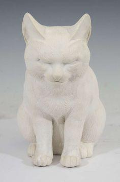 19th century Japanese Hirado porcelain cat.