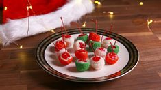 These Holiday Cheery Bombs Will Get You Blitzen& Real FastDelish Christmas Drinks, Christmas Desserts, Christmas Treats, Christmas Baking, Holiday Treats, Holiday Recipes, Christmas Recipes, Christmas Martini, Christmas Entertaining