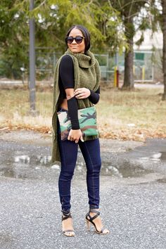 OLIVE KNIT CAPE | THE DAILEIGH | WWW.THEDAILEIGH.COM