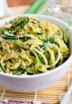 Zucchini spaghetti recipe - What vegetable spaghetti to change pasta? - She at the Table - Vegetable spaghetti: beets, parsnips, zucchini, sweet potato, discover recipes based on vegetable s - Raw Food Recipes, Cooking Recipes, Healthy Recipes, Soup Recipes, Tuna Recipes, Spinach Recipes, Cleaning Recipes, Simple Recipes, Mexican Recipes