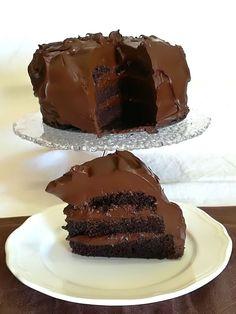 Torta del diavolo o Devil's food cake Sweet Recipes, Cake Recipes, Dessert Recipes, Healthy Desserts, Just Desserts, American Cake, Drip Cakes, Pavlova, Something Sweet