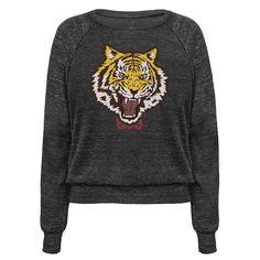 kdartrebloogs:  Get Yuris super cool tiger shirt - link