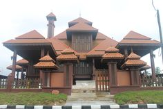 Masjid Ulul Albab of Terengganu, Malaysia is an all-teak mosque and can accomodate up to1500 worshippers