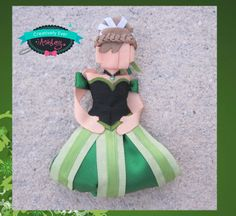 Ann from Frozen inspired ,coronation green dress version, hair clip