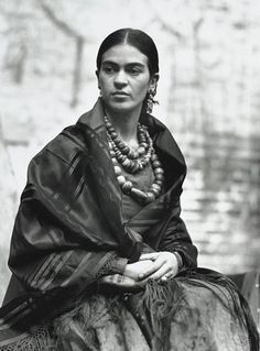 Frida Kahlo, 1930. Photograph by Edward Weston. S)