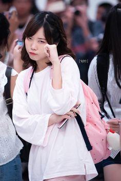 Bang-kok fourty eight bnk, อยากไปงานจับมือ. Bell Sleeves, Bell Sleeve Top, Popular Bands, Girls Generation, Bangs, Ruffle Blouse, Detail, Octopus, Pup