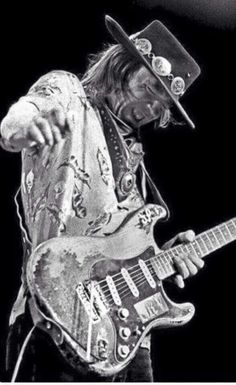 Stevie Ray Vaughn - Member of The Man! Order ( Order of people that use a guitar and makes us feel goosebumps all over our bodies) Steve Ray Vaughan, Stevie Ray Vaughan Guitar, Sell Music, Best Guitarist, Blues Music, Rock Legends, Blues Rock, Music Photo, Music Is Life