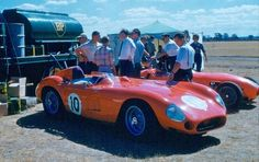 1960 Longford, Australian Tourist Trophy, refueling paddock, Doug Whiteford with the Maserati 300S nr10, 2nd