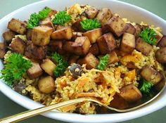 Pecene tofu s quinoovym salatem Tofu, Tahini, Kung Pao Chicken, Quinoa, Cooking Recipes, Meat, Ethnic Recipes, Chef Recipes