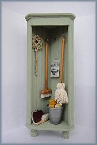 poppenhuis keuken 14  MINI Broom Closet