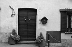 Per le vie di Rancio  #rancio #lecco #details #paese #architecture #nature #blackandwhite
