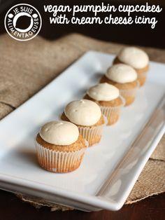 Vegan Pumpkin Cupcakes with Cream Cheese Icing on MyRecipeMagic.com #EBHolidayBakeOff2015