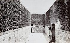 valterscelsi:  icaronycteris:Cuarto oeste de los mosaicos, ruinas de Mitla, Oaxaca, México, ca. 1900 - Charles Burlingame Waite