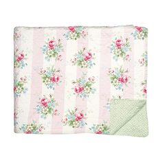 Traumhaft schön ist diese hochwertige Steppdecke von Greengate. Die kleine Decke eignet sich prima als Kuscheldecke fürs Kinderbett oder als Krabbeldecke für die ganz Kleinen. Praktisch: In der Waschmaschine waschbar. Die Decke finden Sie bei uns in verschiedenen Farben und den typischen Greengate Mustern.