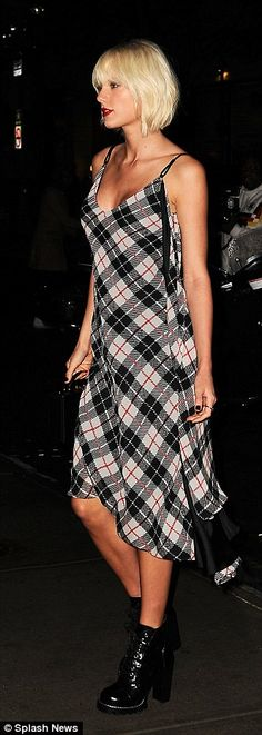 Love this plaid dress! (on Taylor Swift)