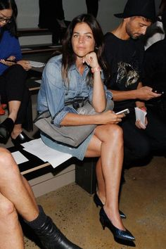Julia Restoin-Roitfeld Photos - Julia Restoin Roitfeld attends Tim Coppens runway show during MADE Fashion Week Spring 2015 at Milk Studios on September 2014 in New York City. - Tim Coppens - Front Row - MADE Fashion Week Spring 2015 Julia Restoin Roitfeld, Carine Roitfeld, French Girl Style, French Girls, French Chic, Giovanna Battaglia, Kitten Heels Outfit, Garance, Jeans Denim