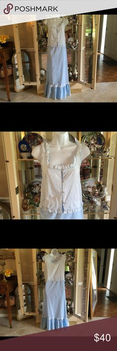 """VINTAGE KOMAR BLUE & WHITE LONG NIGHTGOWN VINTAGE KOMAR LONG NIGHTGOWN TRIMMED WITH WHITE EYELET LACE BIG RUFFLED HEM FOUR VERY LIGHT BLUE OPAQUE PEARL BUTTONS 50% COTTON 50% POLYESTER  MADE IN THE U.S.A RN# 17363.   BUST 42""""  HIPS 48"""" KOMAR Intimates & Sleepwear Pajamas"""