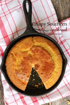 Crispy southern cornbread complete with cast iron baking instructions. This recipe doesn't have sugar, but you could easily add it. food dishes Southern cornbread is crispy outside, tender inside and ready for all of your favorite cold weather dishes. Cooks Country Recipes, Country Cooking, Southern Recipes, Cooking Recipes, Easy Recipes, Southern Dishes, Skillet Recipes, Cooking 101, Cooking Turkey