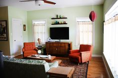 mid century awesomeness - i'd change the color of the walls a bit, but pretty!