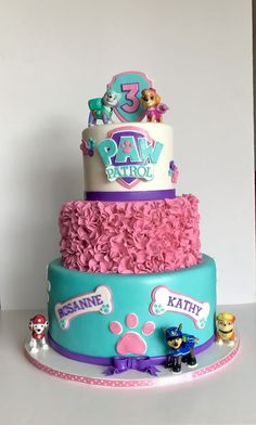 1001 + inspirationen fr ausgefallene paw patrol torte paw patrol cake with rubble and marshal Pastel Paw Patrol, Sky Paw Patrol, Paw Patrol Everest, Girls Paw Patrol Cake, Paw Patrol Birthday Girl, Girl Paw Patrol Party, Special Birthday Cakes, Birthday Cake Girls, 4th Birthday