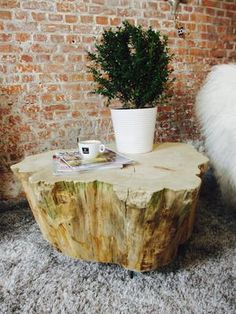 Bekijk de foto van CreativeOpen met als titel Robuuste boomstamtafel Conifeer. Deze salontafel is van regionaal coniferen hout gemaakt en past in elk interieur. In Nederland zie je zelden zo groot een conifeer, wat deze salontafel erg bijzonder maakt. De bijzondere organische vorm van deze boomstam salontafel maakt het een uniek stuk. Deze unieke boomstamtafel is te verkrijgen bij woonwinkel Creative Open in Tilburg. Kijk op onze site voor meer inspiratie! en andere inspirerende plaatjes ...