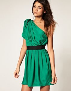 Browse online for the newest ASOS One Shoulder Drape Dress with Contrast Belt styles. Shop easier with ASOS' multiple payments and return options (Ts&Cs apply). Cute Dresses, Beautiful Dresses, Gorgeous Dress, Party Dresses, Kelly Green Dresses, Photos Of Dresses, One Shoulder Cocktail Dress, Shoulder Dress, Emerald Dresses