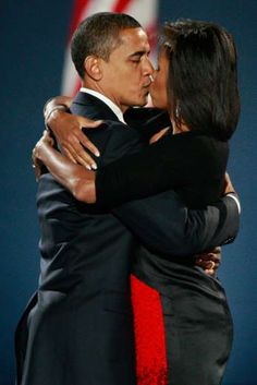 President Of The United States Of America, Commander In Chief, Barack Obama and First Lady Of The United States Of America, Michelle Obama Michelle Obama, Black Presidents, American Presidents, American History, American Soldiers, British History, Native American, Barack Obama Family, Obamas Family