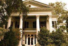 Banks Mansion Hernando, MS  My wedding place -