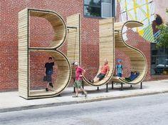 Con paradas divertidas y creativas como esta, da gusto hasta esperar el bus. Bus Stop.