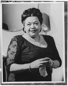 [Portrait of Mildred Bailey, Aquarium, New York, N.Y., ca. Aug. 1946] (LOC) | Flickr - Photo Sharing!
