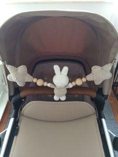 DIY Miffy Auto Spanner Haken Source by besnilab Crochet Baby Toys, Crochet Bebe, Crochet For Kids, Diy Crochet, Baby Knitting, Handgemachtes Baby, Baby Kind, Crochet Garland, Baby Mobile