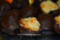 "mini orange ""Bounty"" truffles (moist centered mega-orange & coconut) #vegan"