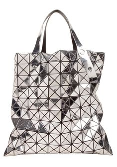 Bao Bao by Issey Miyake Large Bilbao-Prism Tote. Flashy but woah. Issey Miyake, Celine, My Bags, Purses And Bags, Fashion Bags, Fashion Backpack, Best Designer Bags, Diy Accessoires, Yohji Yamamoto