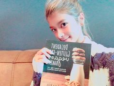The cat on a cookie book♡ の画像|ローラ Official Blog Powered by Ameba