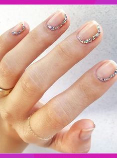 Have you heard of the idea of minimalist nail art designs? These nail designs are simple and beautiful. You need to make an art on your finger, whether it's simple or fancy nail art, it looks good. Of course, you may have seen many simple and beaut Minimalist Nails, Modern Minimalist, Nude Nails, Glitter Nails, Silver Nails, Coffin Nails, Acrylic Nails, Glitter Gif, Glitter Flats