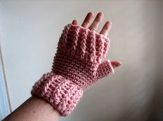 Ravelry: Post Stitch Mitts pattern by Suzetta Williams