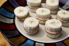 Frozen Nutty Banana Nibblers Made with only three ingredients, these frozen banana sandwiches are a low-cal way to indulge when youre craving something cold and sweet. Each bite is about 23 calories, so you can enjoy six delicious bites for about 140 calories.