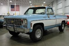 76 I have discovered that this paint is called 1976 Chevrolet Chevy Trucks Skyline Blue. No idea what the white is called. Cab lights would look stupid with the planned Roll Bar and KC Hi lites 80s Chevy Truck, Chevy Trucks For Sale, Vintage Chevy Trucks, Chevy Pickup Trucks, Gm Trucks, Chevy Pickups, Chevrolet Trucks, Cool Trucks, Chevrolet Silverado