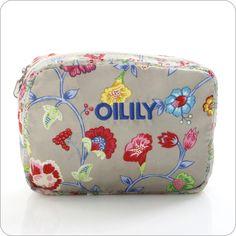 Unvergleichliche Romantik. Zarte Taschenträume. Heiter beschwingte Blüten. Mit der neuen Taschen-Kollektion Classic Ivy präsentiert sich Oilily von seiner besten Seite.