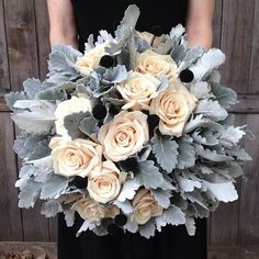 Daily Wedding Flower Inspiration (New!) #laurelridgecc #weddingflowers #winterwedding