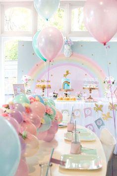 Floral do partido do arco-íris Glam Unicorn aniversário em Idéias do partido de Kara |  KarasPartyIdeas.com (9)