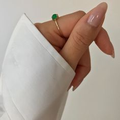 Want some ideas for wedding nail polish designs? This article is a collection of our favorite nail polish designs for your special day. Minimalist Nails, Minimalist Fashion, Nail Polish Designs, Nail Designs, Hair And Nails, My Nails, Long Nails, Wedding Nail Polish, Gel Nails At Home
